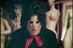 "Tourist trap (1979) -- One creepy movie!  (""Aren't the crackers GOOD?"")"