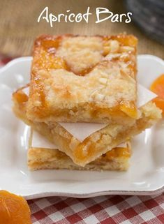 Coconut Apricot Bars - Scrumptious layered bars with coconut, almonds and apricot preserves apricots, apricotdessert, barcookies 13 Desserts, Cookie Desserts, Cookie Recipes, Delicious Desserts, Dessert Recipes, Bar Recipes, Detox Recipes, Apricot Recipes, Sweet Recipes