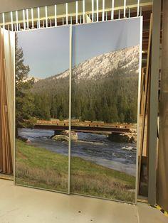 Deze schuifdeuren gemaakt voor een blije klant! Hij heeft zelf deze foto uitgekozen en ons gevraagd hier een schuifwand van te maken!