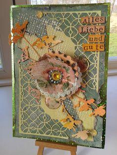 Glückwunschkarte mit gestanzten Reliefs, schablonierten Akzenten und gestanzten Blumen