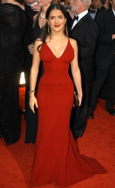 The Most Memorable Golden Globes Looks of All Time | Salma Hayek, 2003