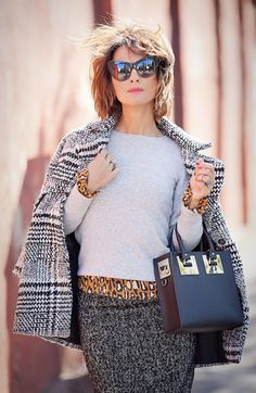 lady like outfit, mixing prints outfit, street style fall outfits, tweed pencil skirt, leopard print outfit, sophie hulme bag,