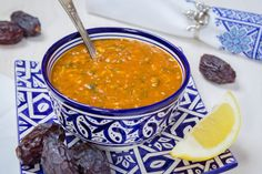 Moroccan cuisine is authentic. We offer you traditional Moroccan cuisine in amounts and images. Moroccan cuisine is one of the most vari. Spicy Bean Soup, Harira, Middle East Food, Cooking With Olive Oil, Serving Dishes, Main Meals, Food Photography, Food Porn