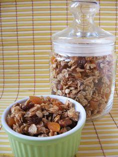 Moha Konyha: Ropogós barackos müzli Cereal, Breakfast, Food, Morning Coffee, Essen, Meals, Yemek, Breakfast Cereal, Corn Flakes