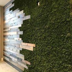 We are loving this custom reclaimed wood and moss wall! Cafe Design, House Design, Moss Wall Art, Deco Restaurant, Flur Design, Vertical Garden Wall, Restaurant Interior Design, Wall Cladding, Plant Wall