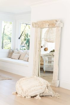 Perusing online the other day and came across this mirror from Wow! What a beautiful statement piece this would be in any living area. Three Birds Renovations, Interior Styling, Interior Design, Indian Furniture, House Rooms, Decoration, My Dream Home, Interior Inspiration, Home And Living