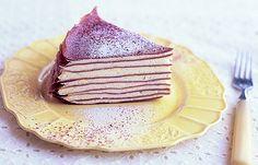 ほろ苦ココア生地でちょっぴり大人味。チーズクリームのミルクレープ。/いろいろクレープ&ごちそうガレット(「はんど&はあと」2011年9月号)