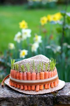 Make an Easter hat with carrots!
