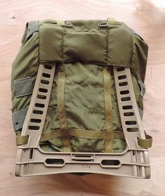 medium alice pack on dei 1609 frame