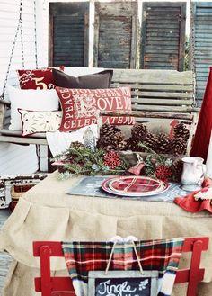 35 Cozy Plaid Décor Ideas For Christmas | DigsDigs