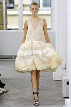 Balenciaga Spring 2006 Ready-to-Wear Fashion Show - Caroline Trentini (Elite)