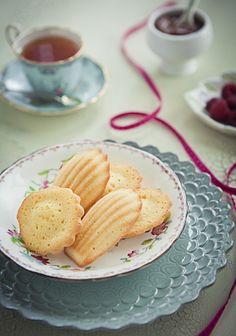 raspberry & dulce de leche shortcake madeleines