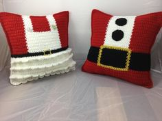 Mr and Mrs Claus Crochet Pillow Crochet Tutorial - Pillow Pattern - Crochet Cushion - Christmas DecorEasy And Cheap Tips: Decorative Pillows Kids Beds decorative pillows on bed king.Neutral Decorative Pillows Black And White decorative pillows with s Crochet Cushions, Crochet Pillow, Crochet Baby, Blanket Crochet, Christmas Cushions, Christmas Pillow, Crochet Christmas, Christmas Decor, Holiday Crochet Patterns