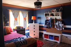 Boys hockey theme bedroom- Perfect! Exactly what I had in mind for my boy!