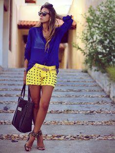 Os shorts customizados look da mulherada na hora de ir a praia, shopping, passeios, baladas e demais ocasiões que pedem um visual mais descontraído