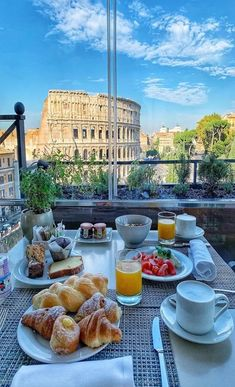 Morning Coffee In Rome Romantic Breakfast, Hotel Breakfast, Morning Breakfast, Perfect Breakfast, Coffee Time, Morning Coffee, Breakfast Around The World, Dream Vacations, The Good Place