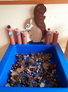 Fun fall activity to do with toddlers. - Fall Crafts For Kids Cheap Fall Crafts For Kids, Fall Crafts For Toddlers, Easy Fall Crafts, Toddler Crafts, Activities To Do With Toddlers, Autumn Activities For Kids, Kindergarten Activities, Preschool Activities, Sorting Games