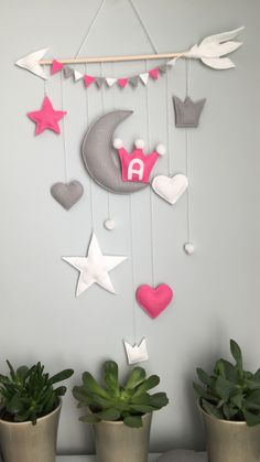 #walldecoration#home#decor#baby#kids#moon#crowns#felt Cool Paper Crafts, Diy Arts And Crafts, Felt Crafts, Diy Crafts For Kids, Diy Classroom Decorations, Felt Kids, Baby Wall Decor, Diy Friendship Bracelets Patterns, Baby Room Design