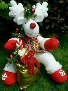 *** Very Merry Christmas, Christmas Wreaths, Christmas Crafts, Christmas Decorations, Christmas Ornaments, Holiday Decor, December Holidays, Bazaar Crafts, Christmas Fabric
