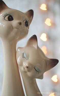 Vintage ceramic cat figurines <3