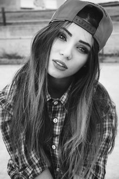 Loving how good she looks in this hat! Rad style tumblr girl pretty cute beautiful xoxo