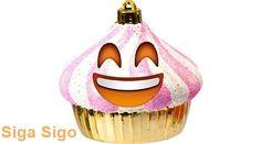 Emoticons de Natal Confira no Blog Siga Sigo os Emoticons de Natal. Vamos lá, compartilhe-os com os seus amigos do Facebook, WhatsApp, Twitter, Google+ e outras redes sociais! http://sigasigo.blogspot.com.br/2015/12/emoticons-de-natal.html #Emoticons #Natal #Smiley #Christmas #Noel #Cupcake #Star