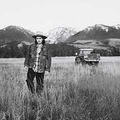 John Mayer Montana retreat. No we don't pay attention to you.. Long hair, weird hat, oversized flannel button up shirts, layers glaore, .. You look like a local!