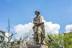 Rembrandtplein - Featured on RueBaRue Amsterdam Attractions, Amsterdam Things To Do In, Night Life, Stuff To Do, Old Things, Statue, Amsterdam Tourist Attractions, Sculpture, Sculptures