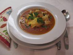 Buggyantott tojással készítsd! Thai Red Curry, Ethnic Recipes, Food, Essen, Meals, Yemek, Eten