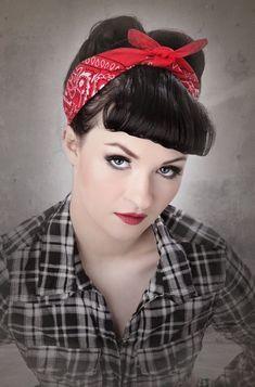 Год 2016 отмечен тем, что внимательно относится к моде прошлых лет и выбирает оттуда причёски и стрижки, которые вписываются в основные тренды современной моды. И