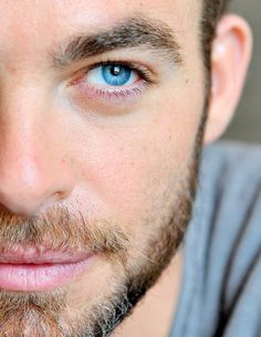 Chris Pine blue eyes