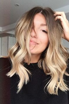 Balayage Blonde Ends - 20 Fabulous Brown Hair with Blonde Highlights Looks to Love - The Trending Hairstyle Brown Ombre Hair, Brown Blonde Hair, Ombre Hair Color, Balayage Long Bob, Blonde Hair Korean, Blonde Ombre Short Hair, Beachy Blonde Hair, Ombre Sombre, Balayage Hair Blonde Medium