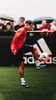 Football Is Life, Football Art, World Football, Good Soccer Players, Football Players, Coutinho Wallpaper, Mariano Diaz, Barcelona Players, Soccer Stars