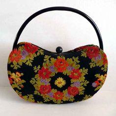 1960s Vintage Holzman kidney shaped carpet bag Vintage Outfits 8fe23cec92fb5