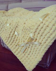 Kadife ip ile örülmüş bebek battaniyem