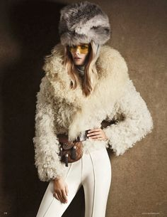 Channeling icon Ann Bonfoey Taylor, Julia Stegner turns ski-wear into a Couture Affair in 'Snow Queen' Giampaolo Sgura, Vogue Germany. Snow Fashion, Fur Fashion, High Fashion, Winter Fashion, Fashion Trends, Fashion Tape, Vogue, Julia Stegner, Roberto Cavalli