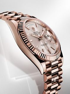 Rolex Oyster Perpetual Day-Date Superlative Chronometer Officially Certified.