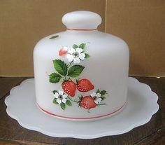 Strawberry cheese dish Strawberry Delight, Strawberry Hill, Strawberry Fields Forever, Strawberry Patch, Strawberry Recipes, Strawberry Shortcake, Cheese Dome, Cheese Trays, Cheese Dishes