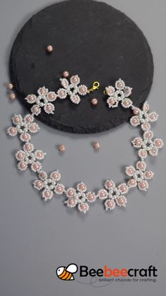 Handmade Beaded Jewelry, Beaded Jewelry Patterns, Handmade Bracelets, Bracelet Patterns, Jewelry Bracelets, Seed Bead Jewelry, Bead Jewellery, Seed Beads, Bead Crafts