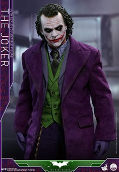 The Dark Knight - 1/4th scale The Joker Collectible Figure
