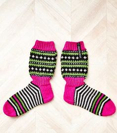 Knit Crochet, Socks, Knitting, Crocheting, Diagram, Adidas, Diy, Fashion, Crochet