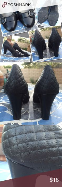 Black pumps Quilt-pattern pump Very small flaw on left shoe Worn once for a wedding Life Stride Shoes Heels