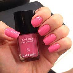 :: Chanel May ::  Pink nails