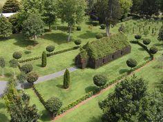 """Ninguém tem dúvidas da grande sintonia da Nova Zelândia com a natureza. Prova viva disso é o jardim de Brian Cox, onde existe uma igreja feita de árvores --que demorou quatroanos para ser cultivada. Brian é dono de uma companhia de jardinagem, chamada Treelocations, especializada em plantar e replantar árvores vivas, já desenvolvidas, por meio...<br /><a class=""""more-link""""…"""