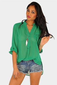 Pocketed sheer blouse for summer