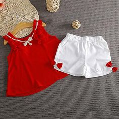 1 million+ Stunning Free Images to Use Anywhere Baby Girl Dress Design, Baby Girl Dress Patterns, Baby Clothes Patterns, Baby Girl Frocks, Kids Frocks, Kids Dress Wear, Toddler Girl Dresses, Girls Fashion Clothes, Little Girl Fashion