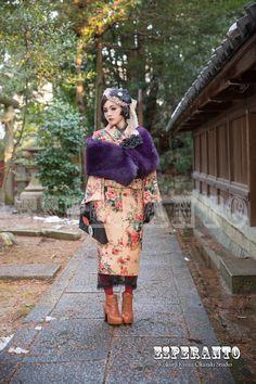 スノーホワイト2-min Traditional Japanese Kimono, Traditional Fashion, Traditional Outfits, Japanese Street Fashion, Asian Fashion, Fashion Shoot, Girl Fashion, Fashion News, Kimono Fashion
