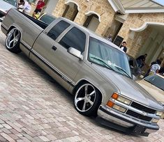 I totally enjoy this design for this car 1998 Chevy Silverado, Silverado Truck, Chevy Pickup Trucks, Chevy Pickups, Silverado 1500, Chevy Trucks Lowered, Custom Chevy Trucks, Classic Chevy Trucks, Mini Trucks