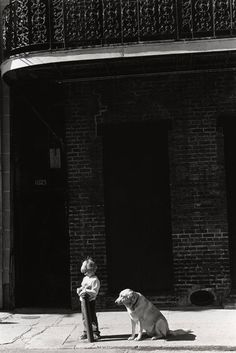 Larry Fink Photography 101, Children Photography, Larry Fink, Urban Beauty, Wise Women, Black Image, Slice Of Life, Cool Photos, Interesting Photos