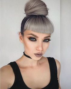 Love these helpful drop dead gorgeous makeup pin# 7229 White Ombre Hair, Silver White Hair, Blue Hair, Pixie Hairstyles, Cool Hairstyles, Hair Inspo, Hair Inspiration, Short Bangs, Straight Bangs